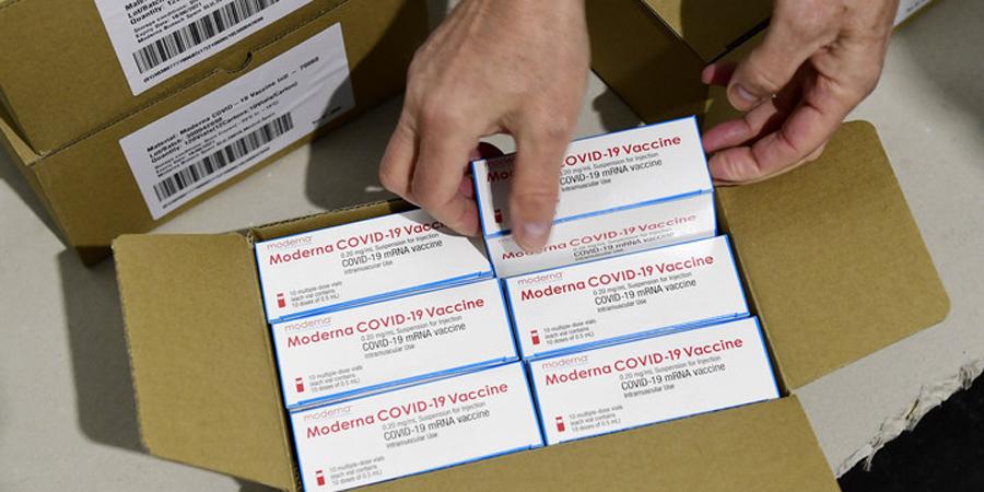 Február végéig kéthetente érkezik hazánkba Moderna vakcina ...