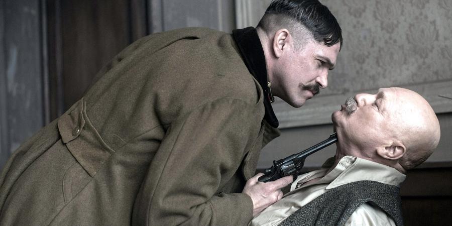 Egy félszemű fickó mészárolt az Apolló moziban, és még díszelőadást is kapott