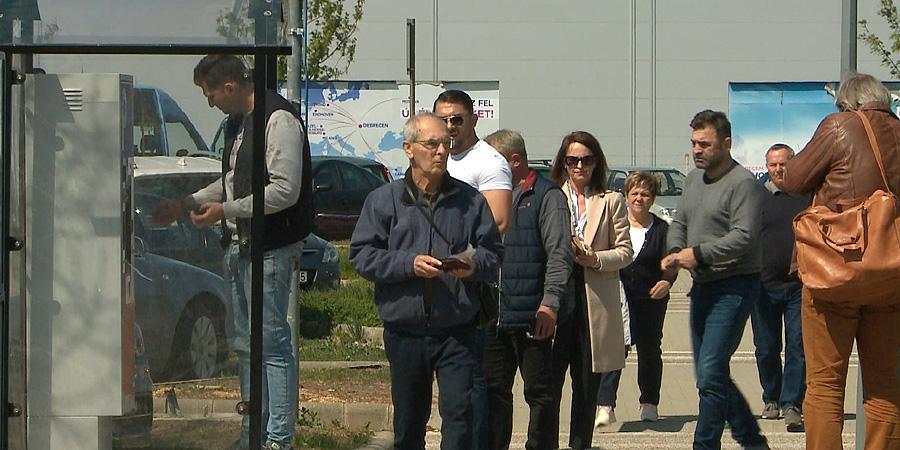 Újabb parkolóautomatákat üzemeltek be a debreceni reptéren