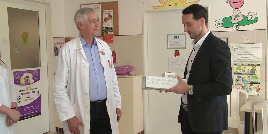 Modern műszer segítheti a debreceni gyermekklinikára került kis betegek gyógyulását