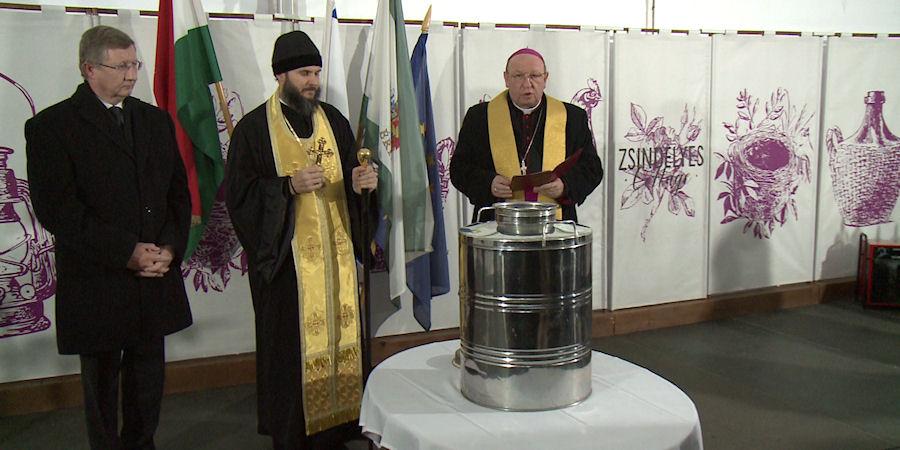 Harangot szenteltek Érpatakon, de elkészült az összetartozás pálinkája is – videóval