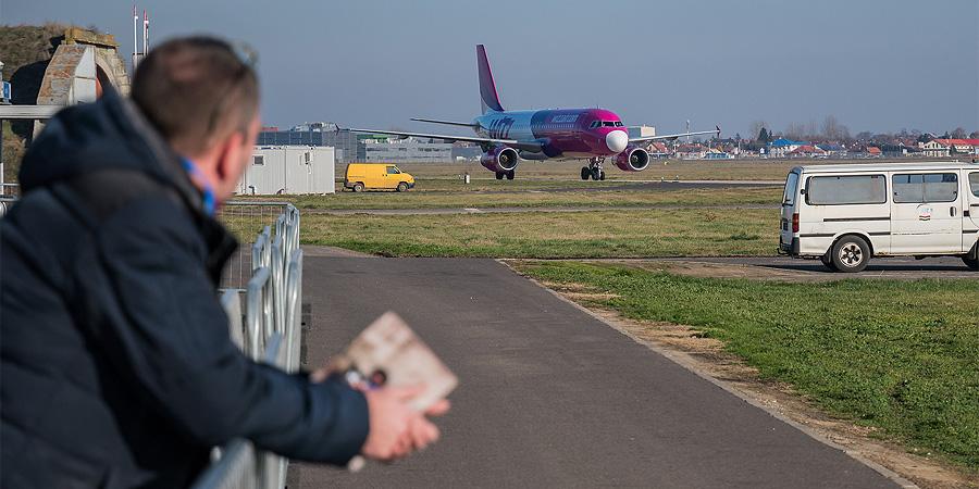 Két debreceni járatát indítja újra el a Wizz Air