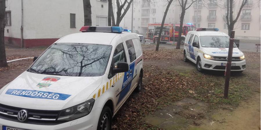 Kigyulladt egy lakás a Füredi úton, meghalt egy asszony – fotókkal, videóval